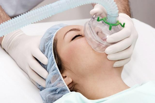 Искусство анестезиолога состоит в том чтобы три составляющих: дыхание, сознание и мышечный тонус восстановились в одно время