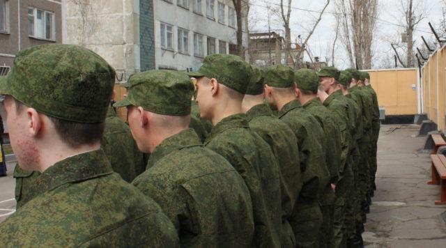 Есть и такие патологии, с которыми юноши полноценно справляются с прохождением службы в армии