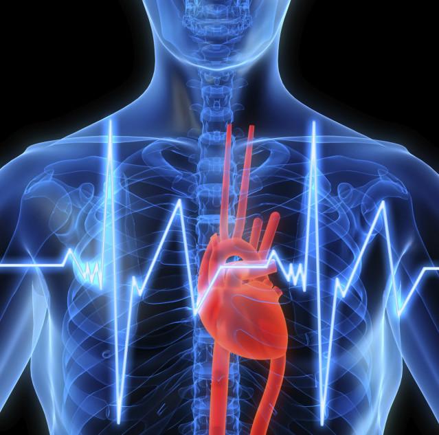 Если человек страдает аритмией, то нетипичный сердечный ритм он чувствует регулярно