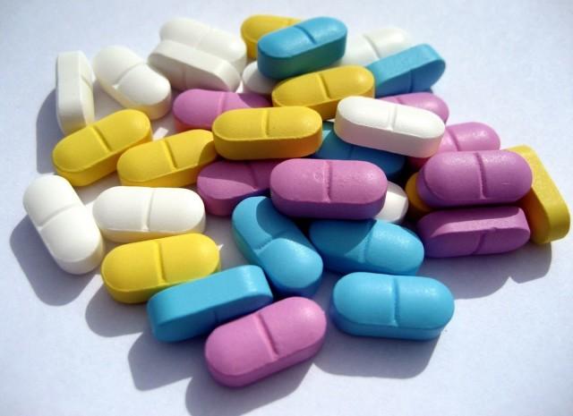 Возможно также сочетание нескольких видов лекарственных антиаритмических веществ, которые в комбинации, способны оказать желаемое действие