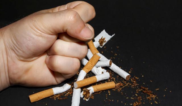 У людей, которые ежедневно выкуривают пачку сигарет и более, в 5-8 раз больше распространенность гиперхолестеринемии