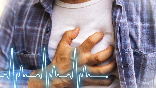 Массовыми статистическими и клиническими исследованиями установлено, что при наличии трех факторов риска (гиперхолестеринемия, гипертония и курение) инфаркт миокарда возникает в восемь раз чаще, чем при их отсутствии