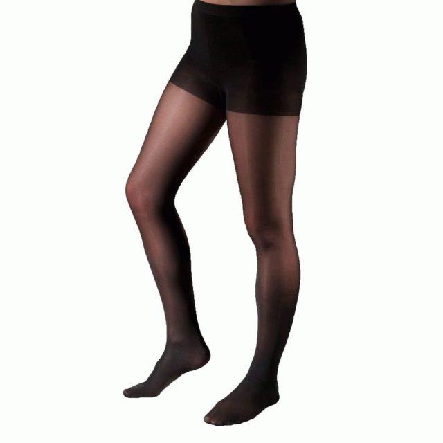 Подобное белье имеет много названий: медицинский или компрессионный трикотаж, противоварикозные или ортопедические колготки и прочее