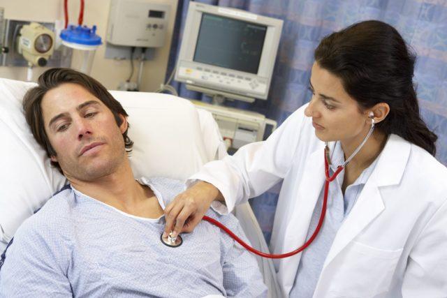 Наиболее частой причиной данных процессов в миокарде являются приобретенные пороки сердца