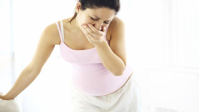 Сильное волнение способно вызывать спазм мышц пищевода, который может привести к рвоте