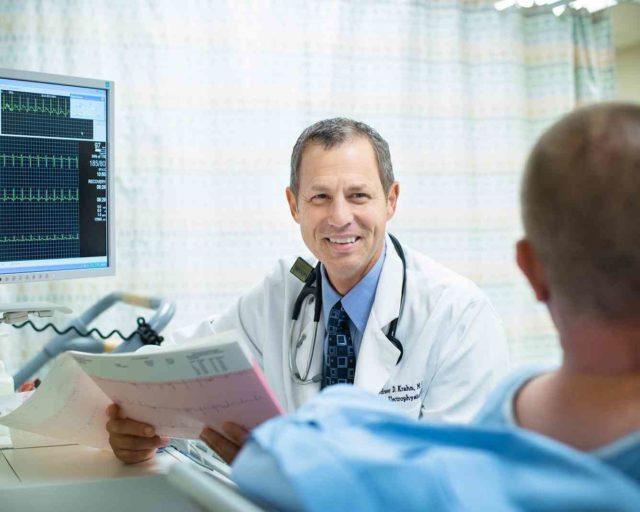 Проводится рентгенография шейного отдела позвоночника, анализы крови и мочи