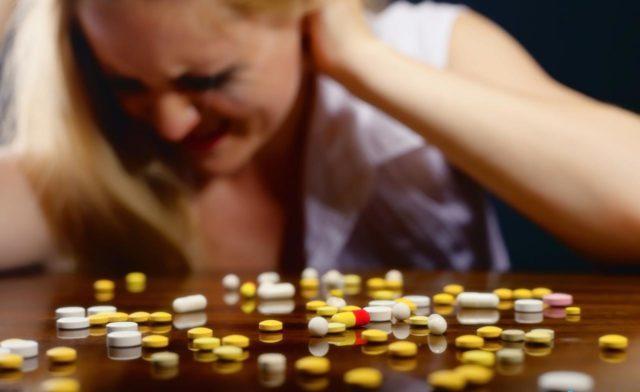 Лекарственные препараты назначаются, прежде всего, для нормализации работы центральной и периферической нервной системы