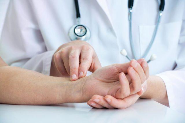 Если наблюдается значительное учащение пульса в первые сутки, это сигнал к возникновению заболевания