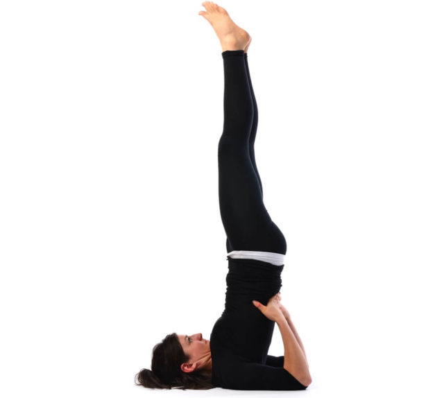 Упражнения укрепят сосуды и мышцы, улучшат кровоснабжение тканей, а приятным побочным эффектом от занятий станут подтянутые живот и бедра