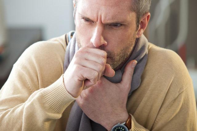 С проникновением инфекции в проблемной зоне развивается воспаление