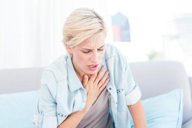 Хотя нередко человек может ничего не ощущать, в таких случаях диагностика патологии будет основана на данных ЭКГ