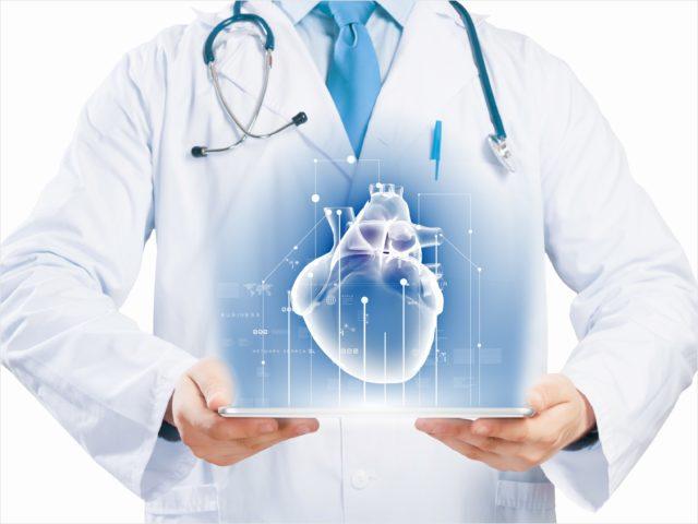 При первой прослеживается только ускорение частоты сердечных сокращений, при второй – ритм нерегулярный и неправильный