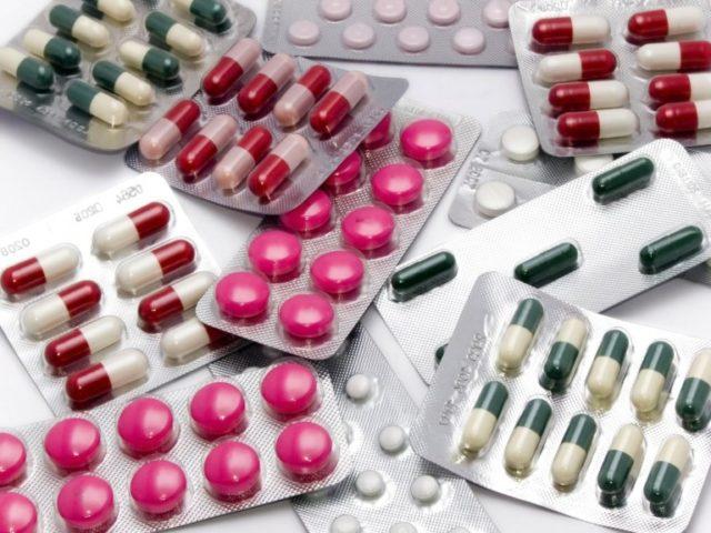 Антиаритмические препараты при мерцательной аритмии классифицируются различными способами, но общепринятой является классификация, включающая 4 класса