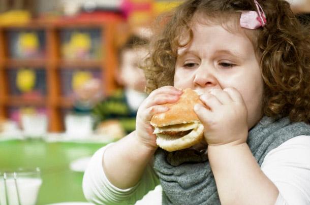 Часто умеренная синусовая аритмия у детей регистрируется после инфекционных заболеваний, связанных с потерей большого объема жидкости во время диспепсических расстройств, рвоты