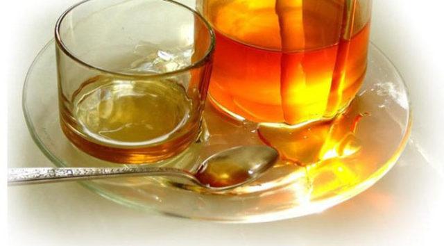 При мерцательной аритмии вы должны уменьшить потребление мяса и перед едой пить 1-3 чайные ложки яблочного уксуса