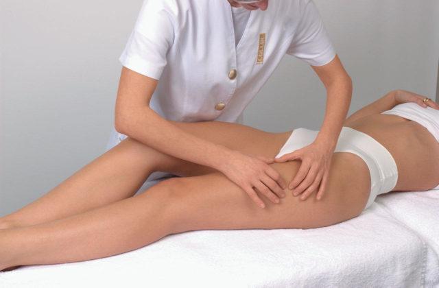 В домашних условиях лучше проводить массаж при ранних стадиях развития болезни