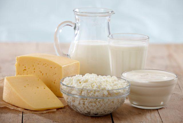 К продуктам, полезным при сердечной аритмии также относятся: льняные семечки, грибы, чеснок, горький шоколад, чай, грейпфрут, яблоки, тыква