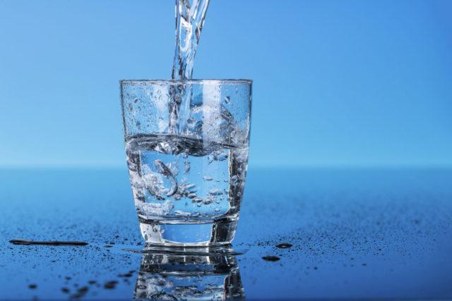 Количество жидкости выпиваемой за сутки необходимо сократить до 1,5 л , чтобы снизить нагрузку на сердце