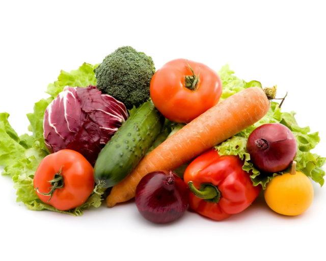 Именно поэтому нужно отказаться от употребления жирной и соленой пищи