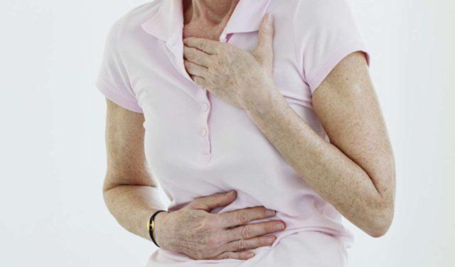 При умеренных изменениях человек может не испытывать никаких проблем с сердцем, их наличие обнаруживают при проведении электрокардиографии