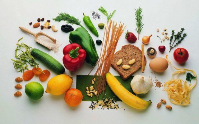 Ограничивается употребление красного мяса, пальмового и кокосового масла, сладких продуктов и соли