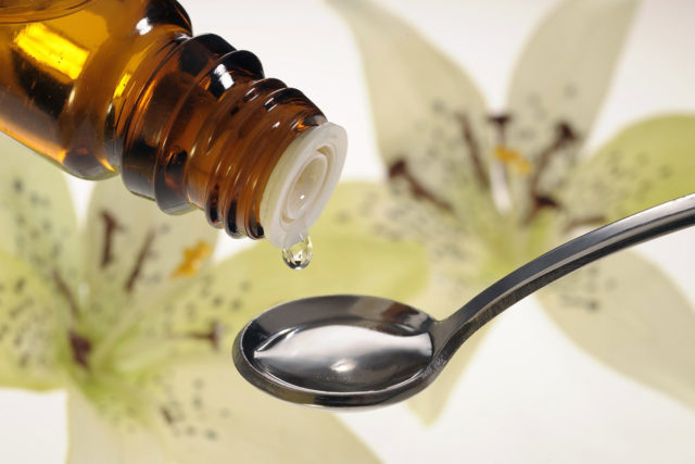 При сильных, частых, длительных приступах назначают сердечные и седативные препараты