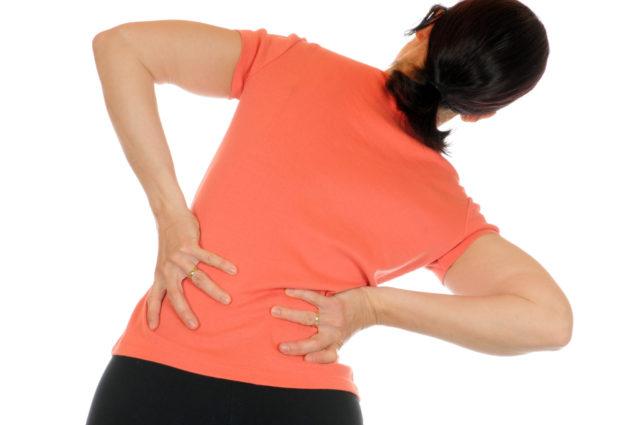 Другими симптомами инфаркта почки являются сильная тошнота и рвота