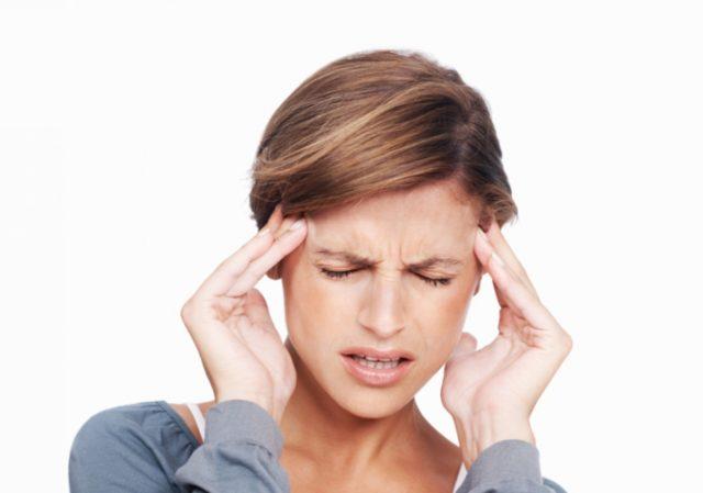 Начальные признаки начинаются с редких кратковременных головокружений, которые как привило, списываются на другие болезни или банальное переутомление