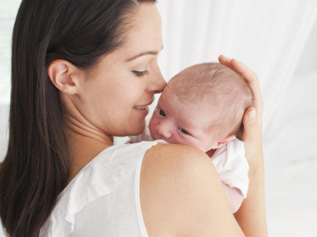 В случае легких повреждений процесс вполне обратим, и через какое-то время после рождения мозг восстановит свою работу