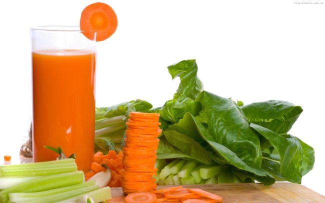 Самым необходимым из них при сбоях в работе сердца и считается морковный сок, свежевыжатый