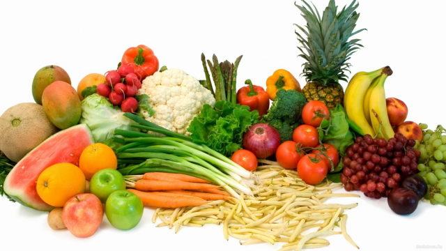 Соблюдение здорового образа жизни и насыщение рациона правильными продуктами в несколько раз снижает вероятность развития опасных симптомов