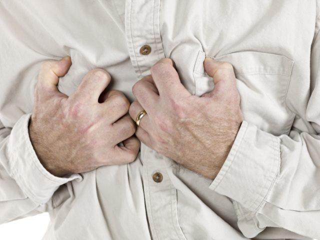 Мужчины и женщины подвергаются атакам стенокардии по-разному