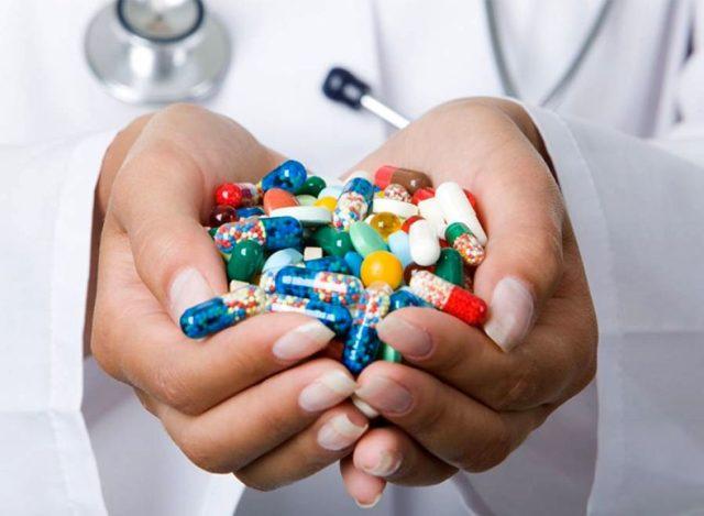 Лекарственная терапия включает в себя несколько этапов